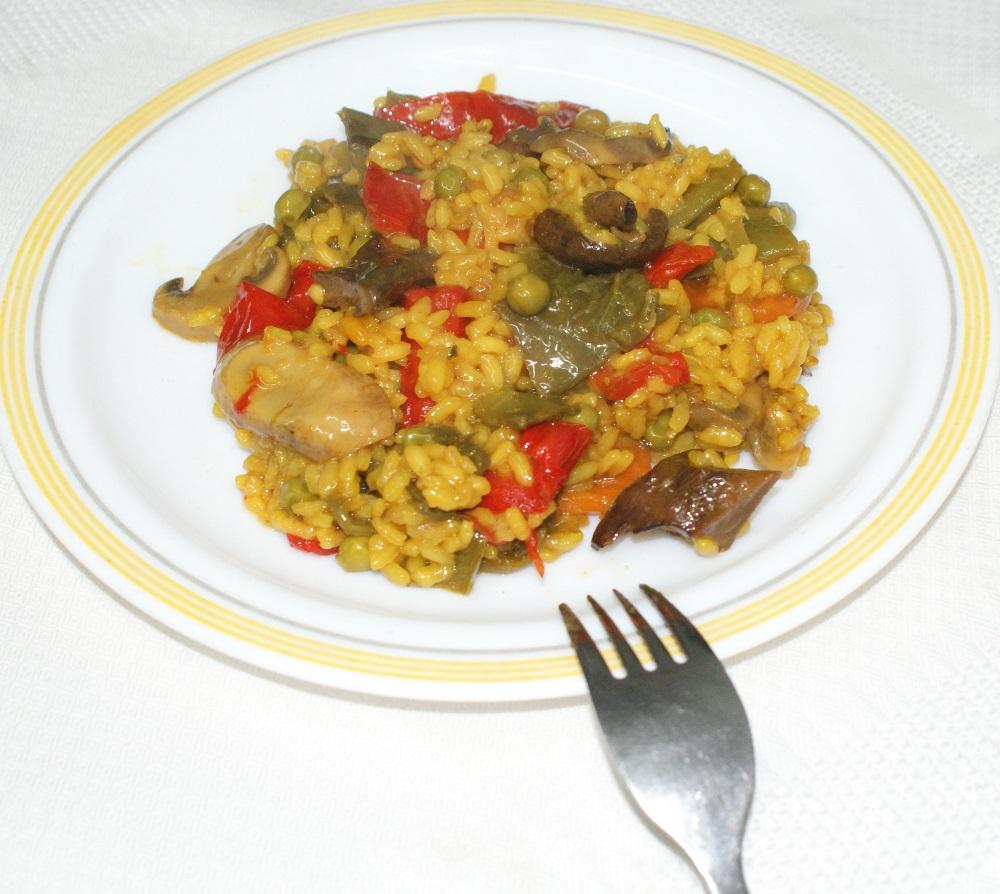 Arroz de verduras del Delta del Ebro y caldo de cocción lenta